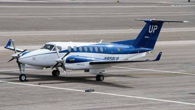 N858UP - Beechcraft B300 King Air 350 - Wheels Up