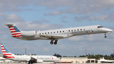 N671AE - Embraer ERJ-145LR - American Eagle (ExpressJet Airlines)