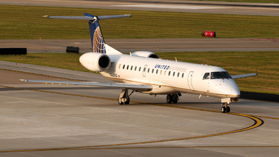 N16987 - Embraer ERJ-145LR - United Express (ExpressJet Airlines)