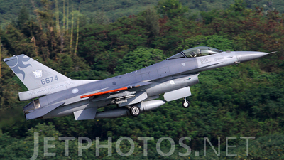 6674 - General Dynamics F-16A Fighting Falcon - Taiwan - Air Force