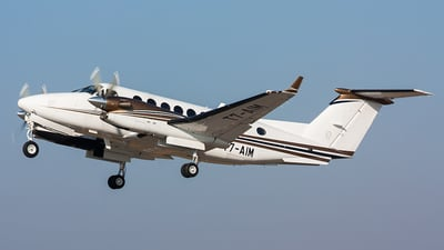 T7-AIM - Beechcraft B300 King Air 350 - Private