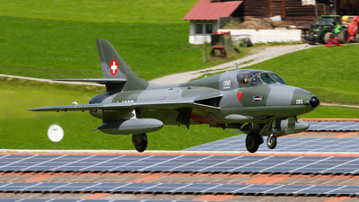 HB-RVP - Hawker Hunter T.68 - Fliegermuseum Altenrhein