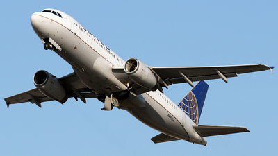 A picture of N485UA - Airbus A320232 - United Airlines - © La Roche Spotters