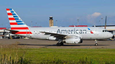 A picture of N816AW - Airbus A319132 - American Airlines - © Evan Dougherty
