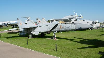 04 - Mikoyan-Gurevich MiG-25 Foxbat - Russia - Air Force