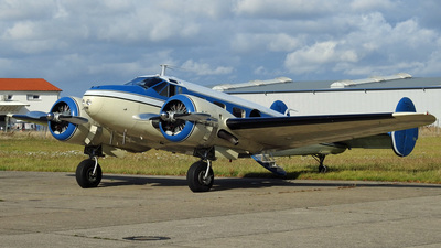 N45SK - Beech 18 - Private