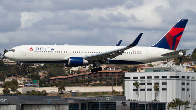 A picture of N1608 - Boeing 767332(ER) - Delta Air Lines - © Luca Flores