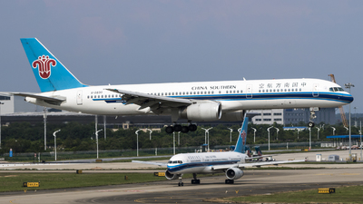 B-2830 - Boeing 757-28S - China Southern Airlines