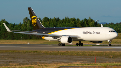 N393UP - Boeing 767-316(ER)(BDSF) - United Parcel Service (UPS)