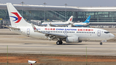A picture of B5271 - Boeing 73779P - China Eastern Airlines - © Eric Wang