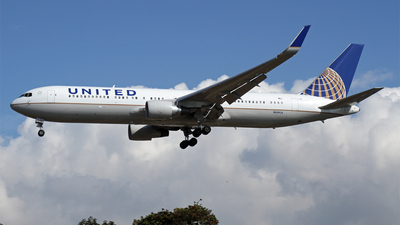 N684UA - Boeing 767-3CB(ER) - United Airlines