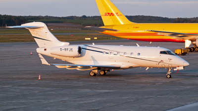 D-BFJE - Bombardier BD-100-1A10 Challenger 300 - Private