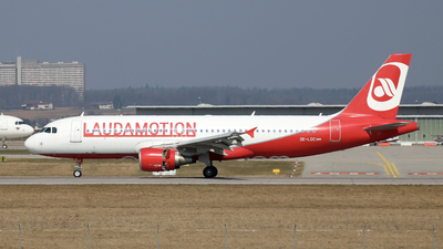 OE-LOC - Airbus A320-214 - LaudaMotion
