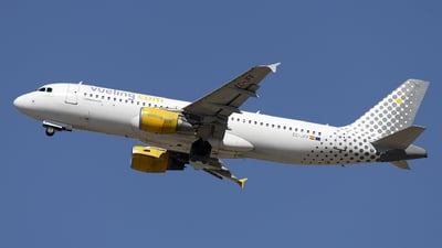 EC-JFF - Airbus A320-214 - Vueling Airlines