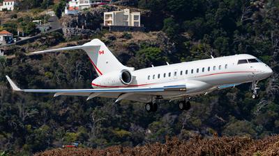 C-GOAB - Bombardier BD-700-1A10 Global 6000 - Aviation Starlink