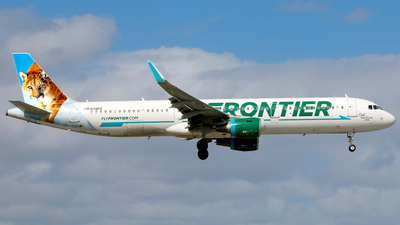 A picture of N718FR - Airbus A321211 - Frontier Airlines - © Racso Smet