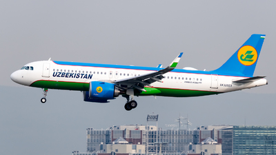 A picture of UK32023 - Airbus A320251N - Uzbekistan Airways - © Chris de Breun