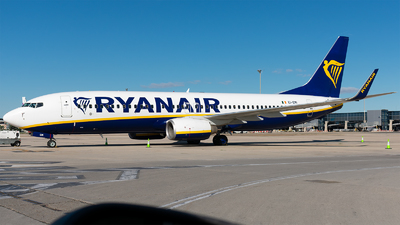 A picture of EIEMI - Boeing 7378AS - Ryanair - © Enrique Rubira