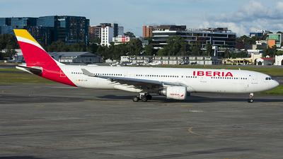 A picture of ECLUK - Airbus A330302 - Iberia - © Brian Boche