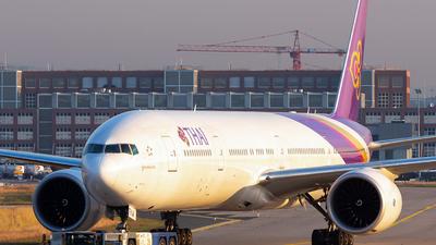 HS-TKW - Boeing 777-3D7ER - Thai Airways International