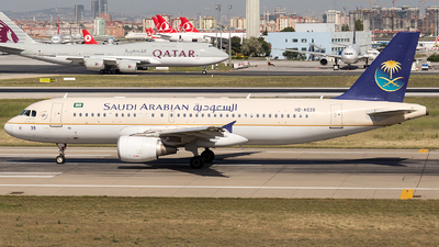 A picture of HZAS39 - Airbus A320214 - Saudia - © Wenjie Zheng