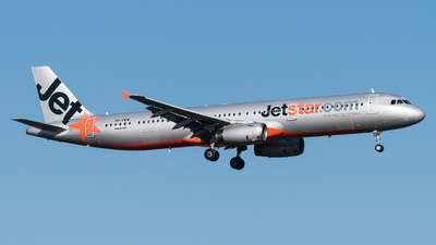 A picture of VHVWW - Airbus A321231 - Jetstar Airways - © Andrew Lesty