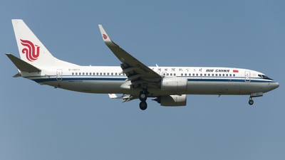 B-1977 - Boeing 737-89L - Air China