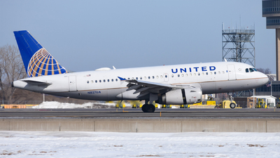 A picture of N827UA - Airbus A319131 - United Airlines - © mskinner04