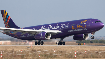 A6-AFA - Airbus A330-343 - Etihad Airways