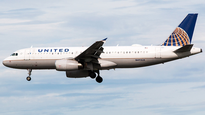 N492UA - Airbus A320-232 - United Airlines