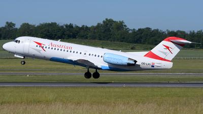 A picture of OELFI - Fokker 70 - [11529] - © Chris Jilli