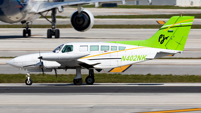 N402NK - Cessna 402B - Private Jets