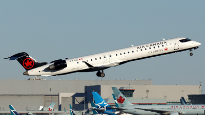 A picture of CFTJZ - Mitsubishi CRJ900LR - Air Canada - © Tianyi Liu