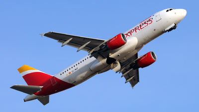 A picture of ECMUF - Airbus A320214 - Iberia Express - © Rafael Alvarez Cacho