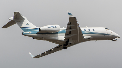 N675LC - Bombardier BD-100-1A10 Challenger 300 - Private