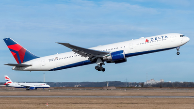 A picture of N843MH - Boeing 767432(ER) - Delta Air Lines - © marfi80