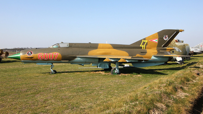6007 - Mikoyan-Gurevich MiG-21 Fishbed - Hungary - Air Force