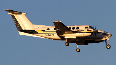 N38JV - Beechcraft 200 Super King Air - Private