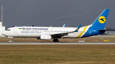 UR-PSW - Boeing 737-8KV - Ukraine International Airlines