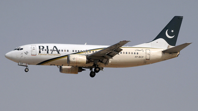 AP-BCF - Boeing 737-340 - Pakistan International Airlines (PIA)