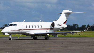 N744QS - Bombardier BD-100-1A10 Challenger 350 - NetJets Aviation