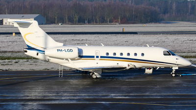 A picture of PHLGD - Embraer Legacy 500 - [55000011] - © C. v. Grinsven