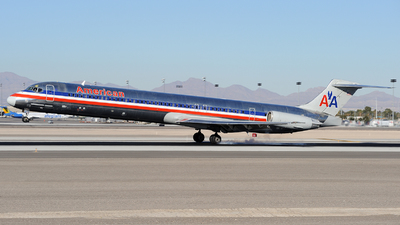 N424AA - McDonnell Douglas MD-82 - American Airlines