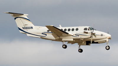 N886AW - Beechcraft 300 Super King Air - Private