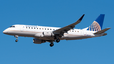 A picture of N85323 - Embraer E175LR - United Airlines - © Evan Dougherty