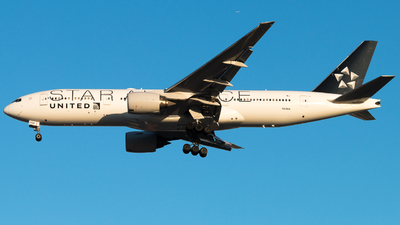 N218UA - Boeing 777-222(ER) - United Airlines