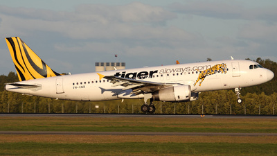 VH-VNB - Airbus A320-232 - Tiger Airways