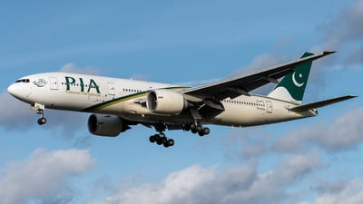 AP-BGL - Boeing 777-240(ER) - Pakistan International Airlines (PIA)
