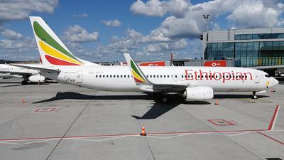 A picture of ETAQO - Boeing 737860 - Ethiopian Airlines - © Turkay Oksuz