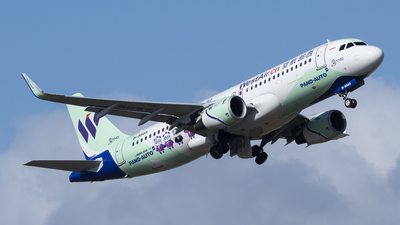 B-9949 - Airbus A320-214 - West Air